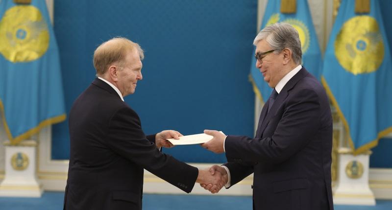 Приступил к работе в Казахстане новый посол США