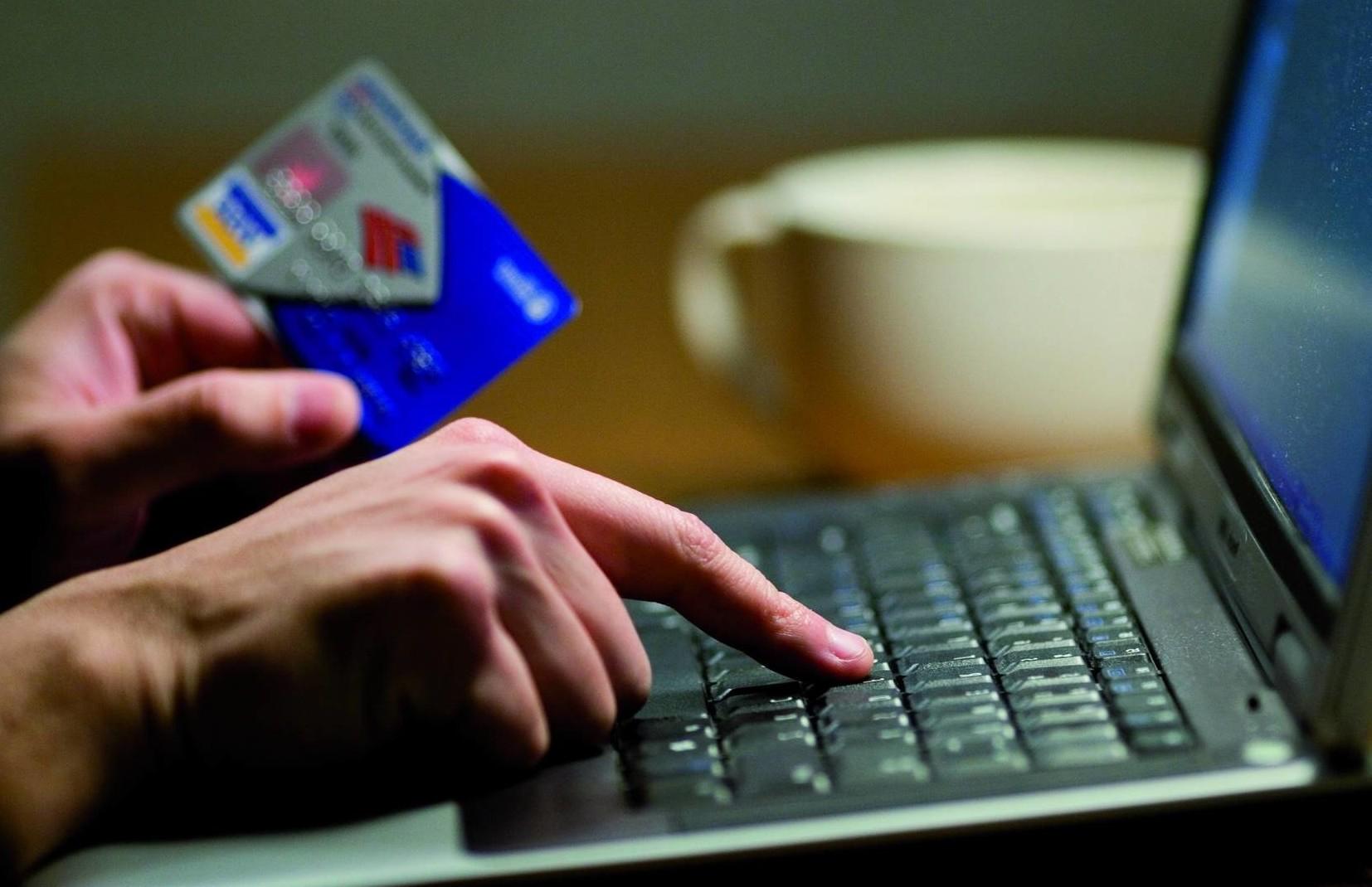 Две интернет-мошенницы задержаны полицейскими Астаны