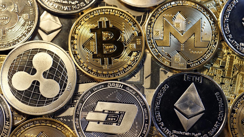 Популярные криптовалюты пошли наверх