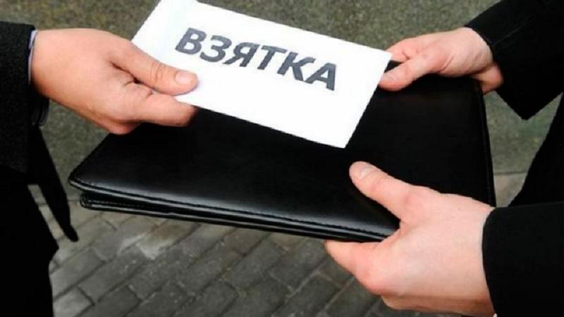 Аким столичного района Байконур подозревается в получении взятки
