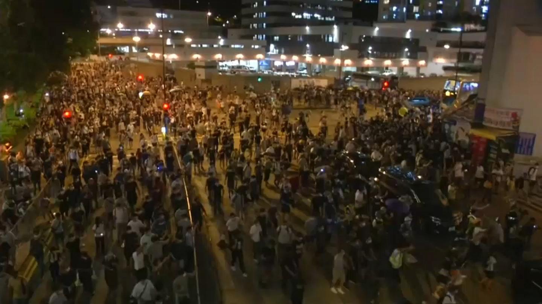 Глава Гонконга: протесты превратят город в руины