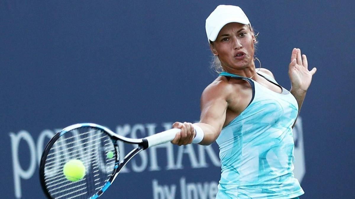 Юлия Путинцева уступила в четвертьфинале теннисного турнира в Риме
