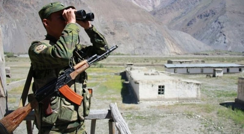Между пограничниками Кыргызстана и Таджикистана произошла перестрелка