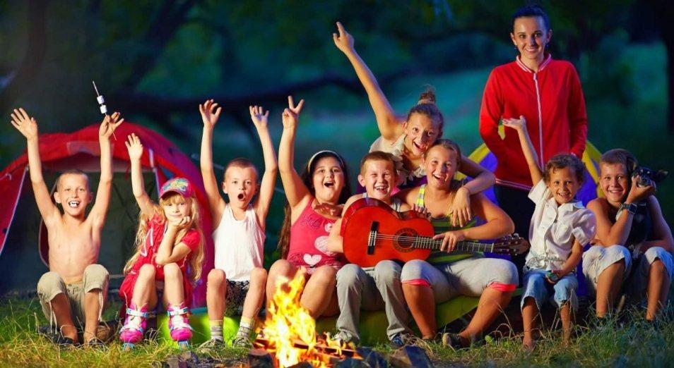 Свыше 90% школьников обеспечат летним отдыхом