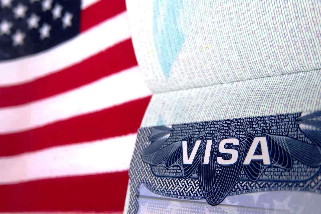 Желающие получить визу США теперь должны предоставлять информацию об аккаунтах в соцсетях