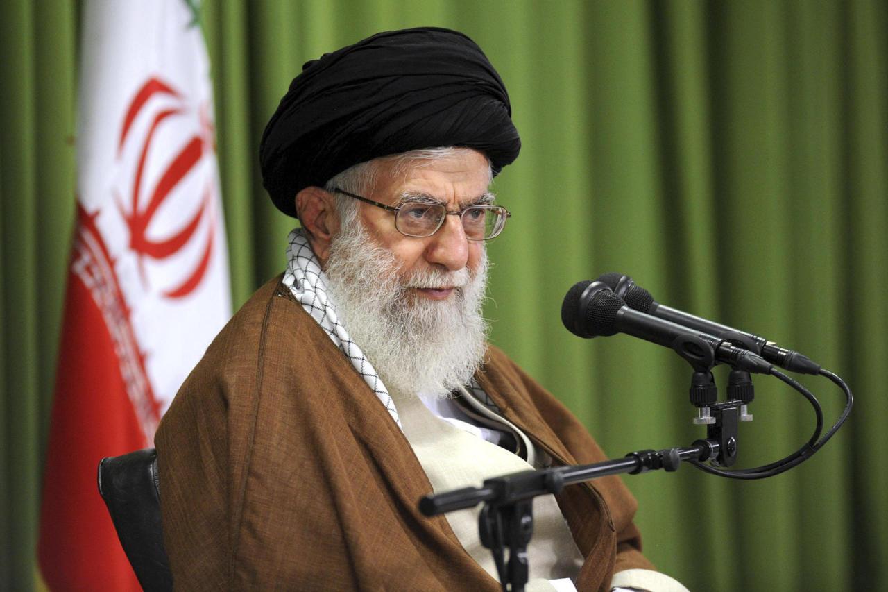 Аятолла Хаменеи выступил против переговоров Ирана с США