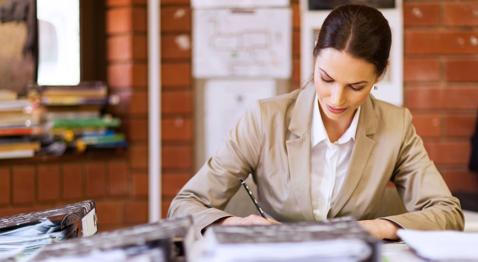За проверку тетрадей педагогам вдвое увеличат зарплаты