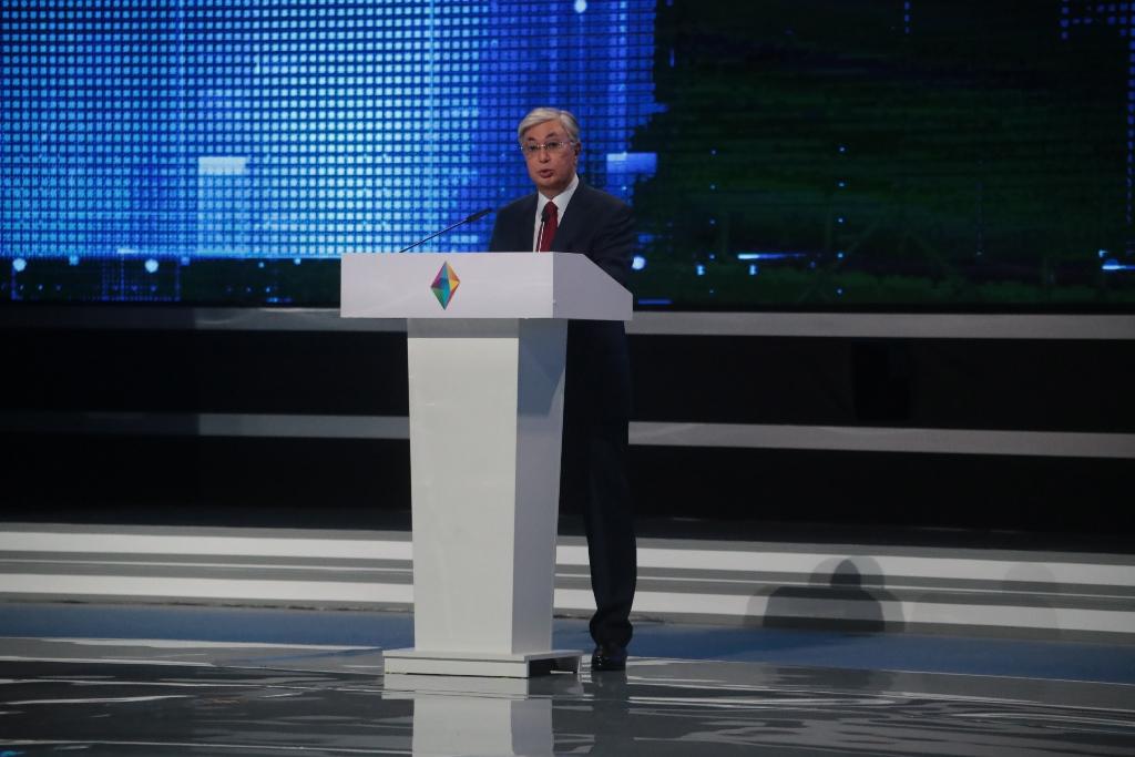 Токаев призвал отечественных предпринимателей развивать конкурентоспособность национального бизнеса