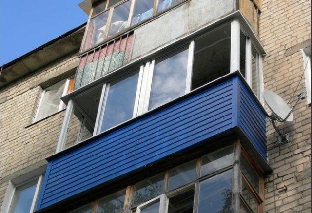 Екібастұзда көрші балкон арқылы өз үйіне кірмек болған ер адам көз жұмды