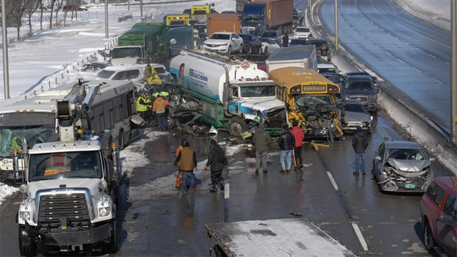 В Канаде почти 70 человек пострадали в ДТП с участием более 200 машин