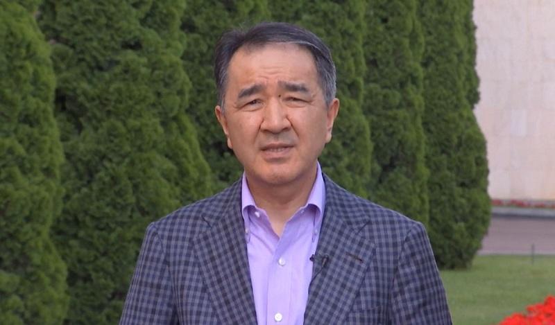 Семьям погибших в ДТП на блокпосту полицейских выделят квартиры в Алматы