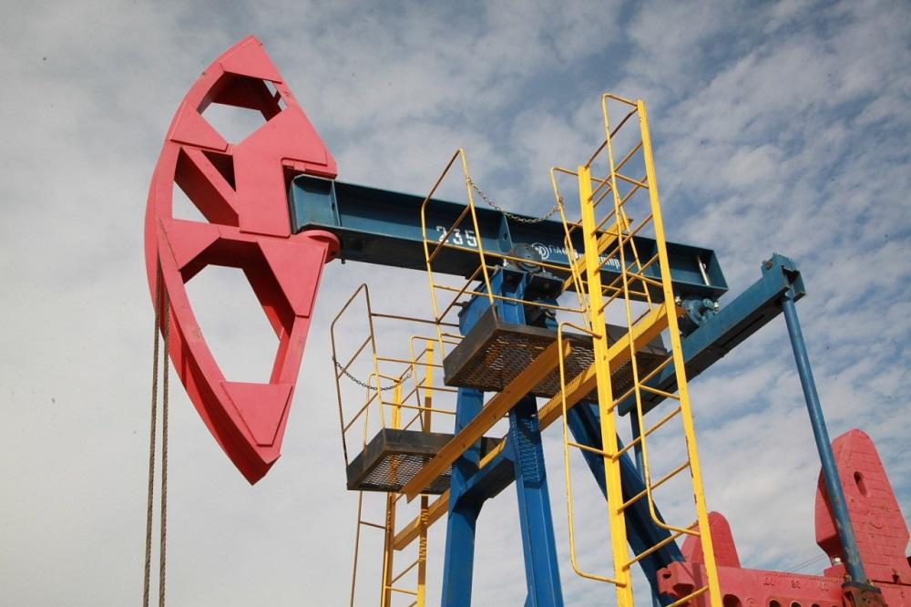 Нефть дешевеет: Brent торгуется на уровне $34,74 за баррель