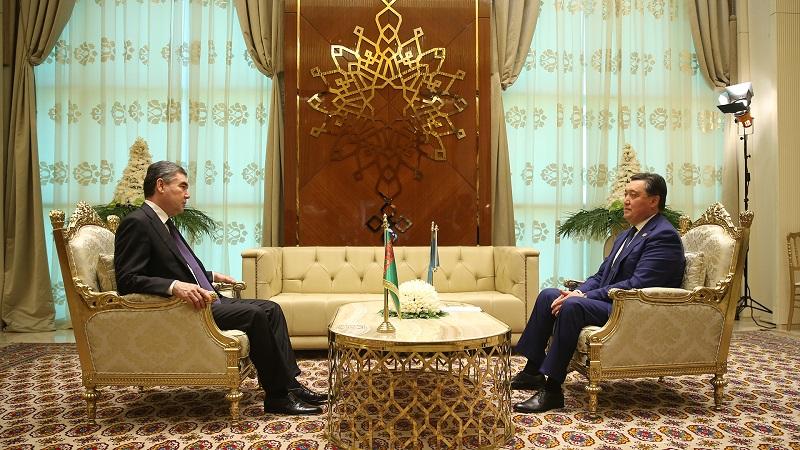 Аскар Мамин принял участие в I Каспийском экономическом форуме