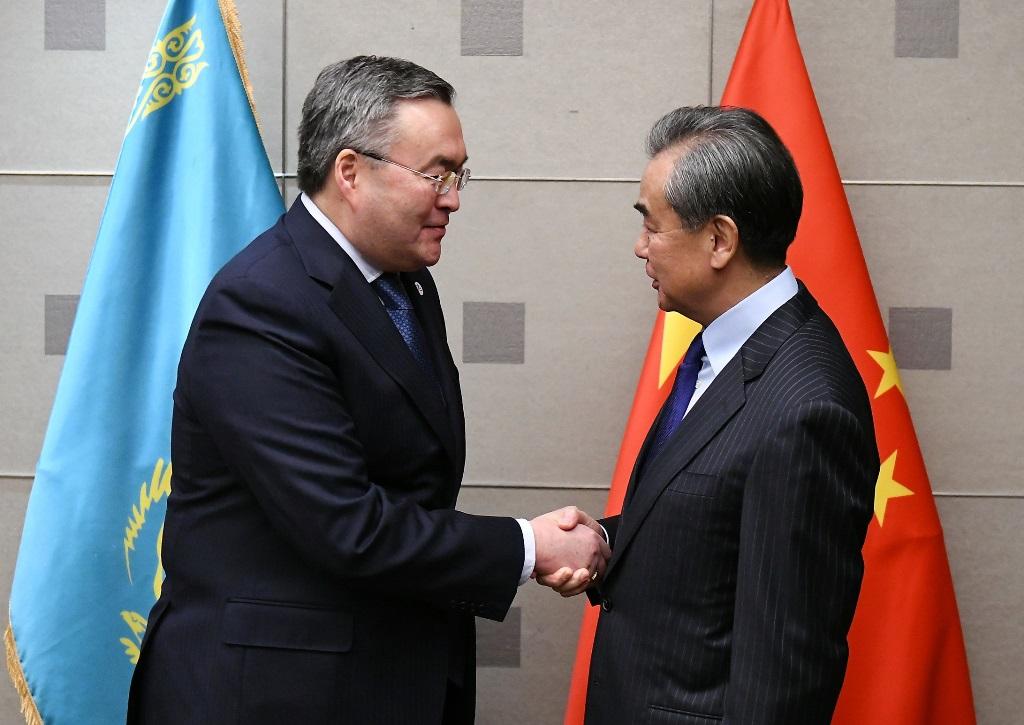 Глава МИД Казахстана провел переговоры с европейским и китайским коллегами в Мадриде