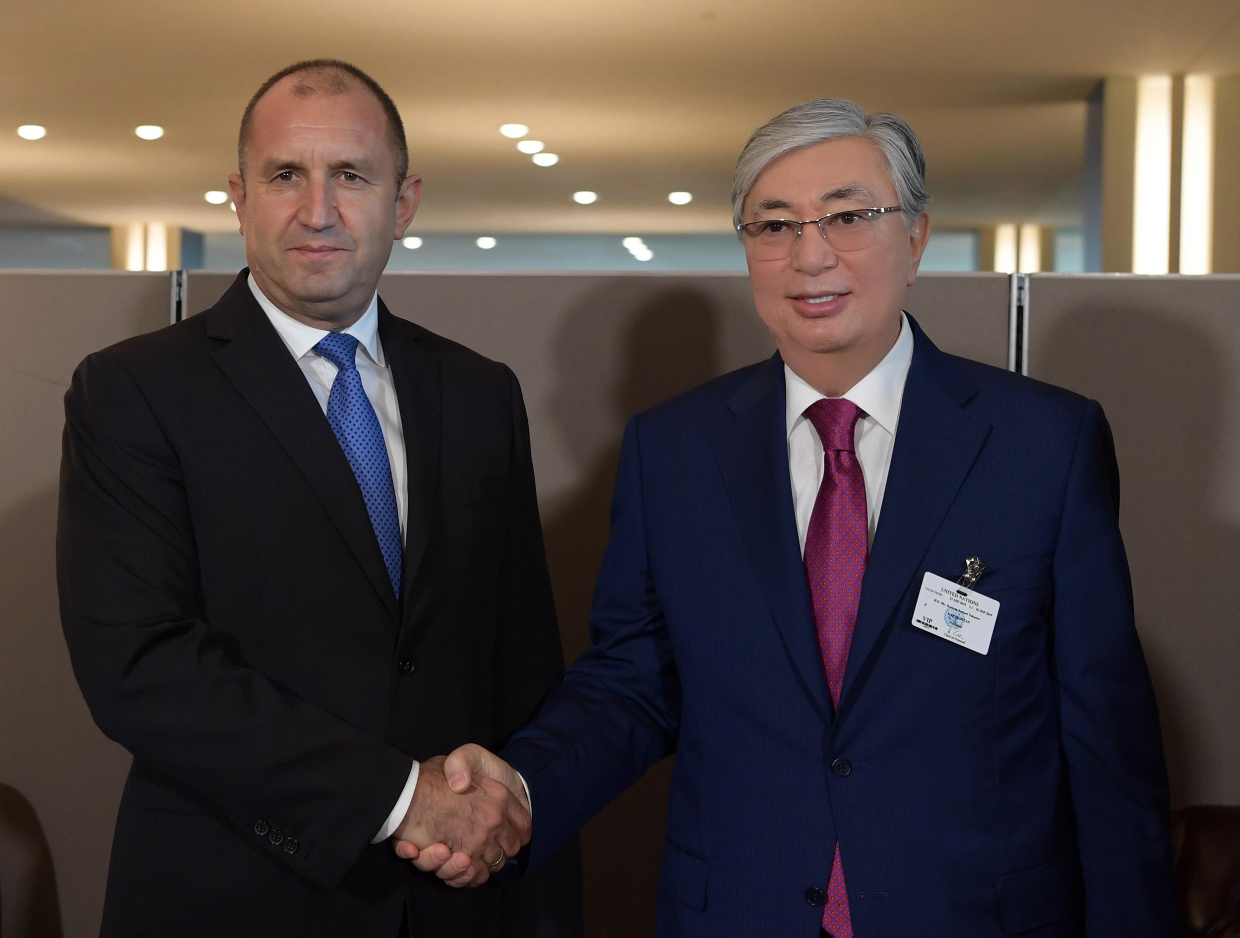 """Президенты Казахстана и Болгарии """"на полях"""" ГА ООН обсудили перспективы сотрудничества двух стран"""