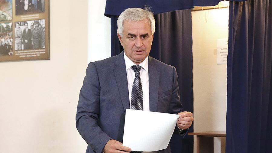 Абхазия президенті Рауль Хаджимба отставкаға кетті