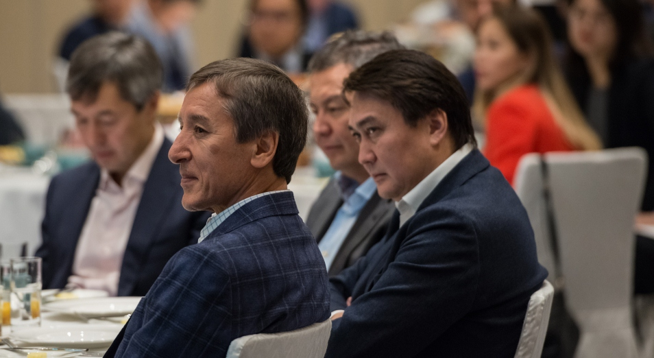Где заканчиваются пределы влияния рубля на тенге?