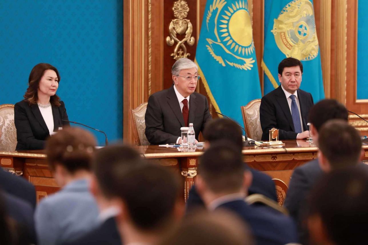 Президент призвал бизнес активно участвовать в социальных программах