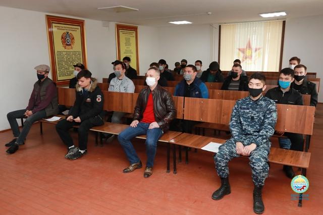 Павлодарда алғашқы 33 ерікті арнайы әскери жиындарға жазылды