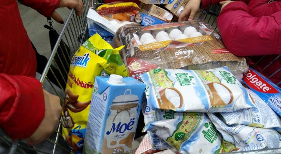 Казахстанцы сократили потребление еды