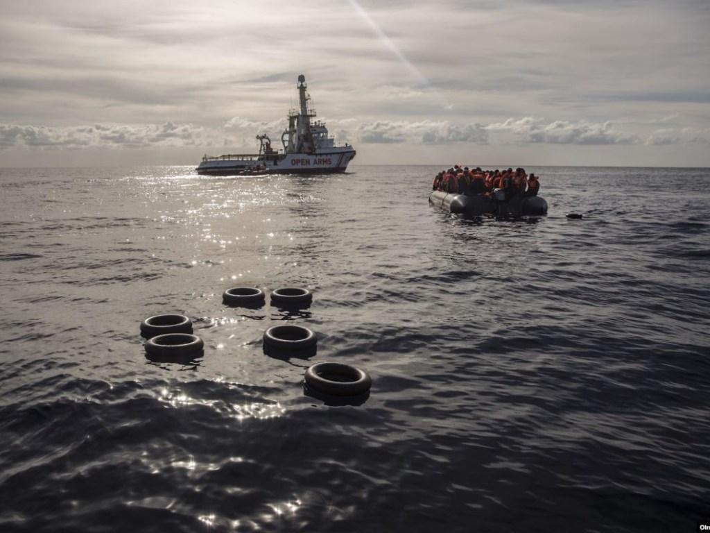 На побережье Туниса обнаружены тела 14 мигрантов с затонувшего судна