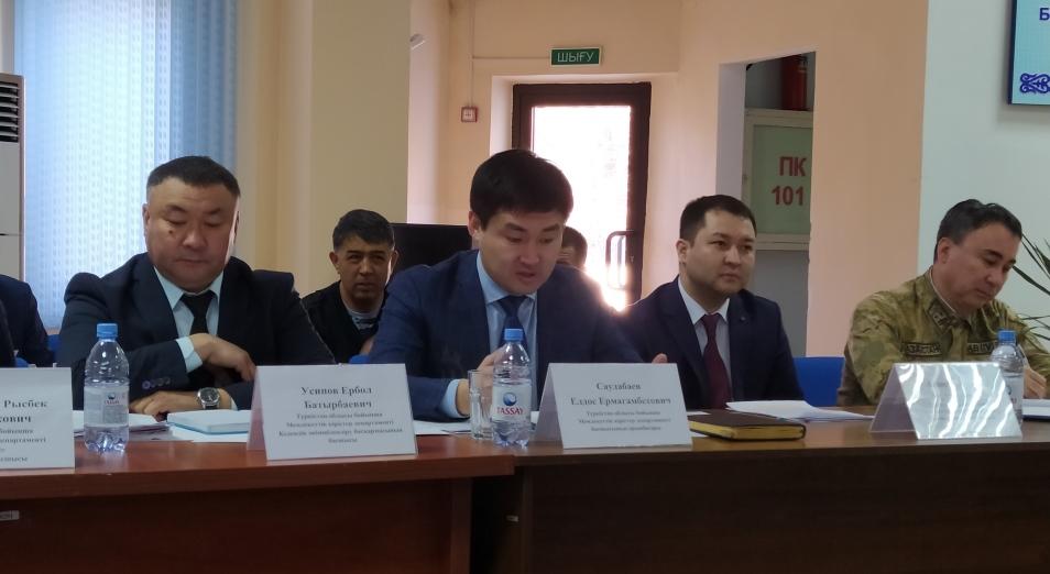 Таможенники и пограничники не верят в возможность беспошлинного ввоза товаров из Узбекистана
