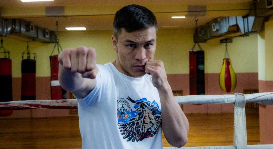 Бой Джукембаева спасает мексиканец