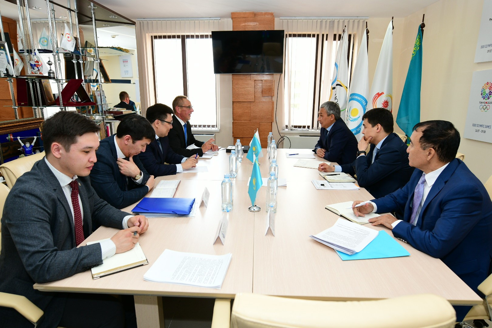 Вопросы развития гребли на байдарках и каноэ в Казахстане обсудили в Нур-Султане