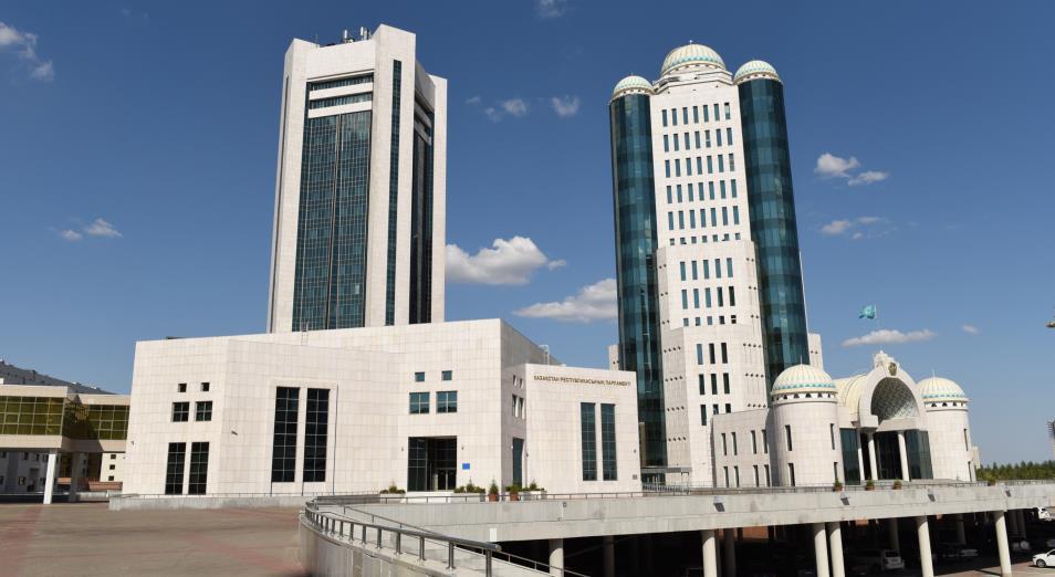 Депутаты закрыли политический сезон