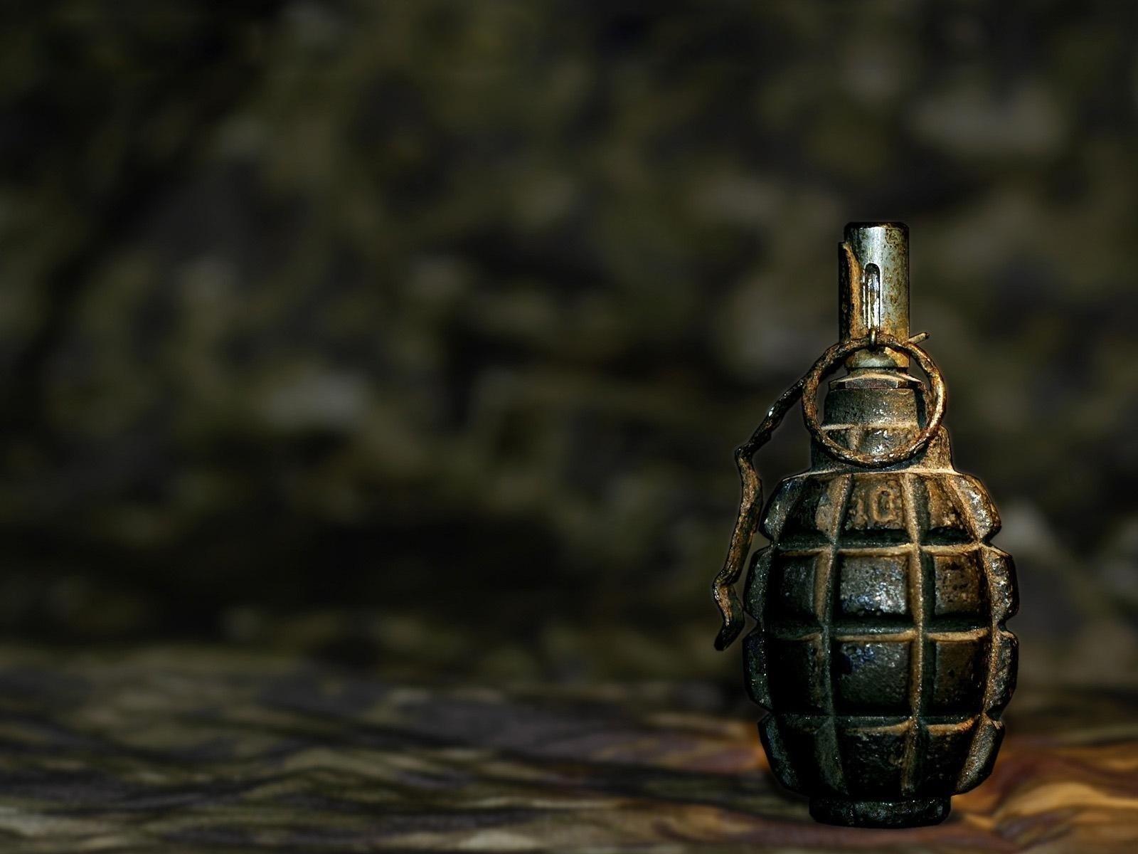 В Мангистауской области двое военнослужащих пострадали при взрыве гранаты