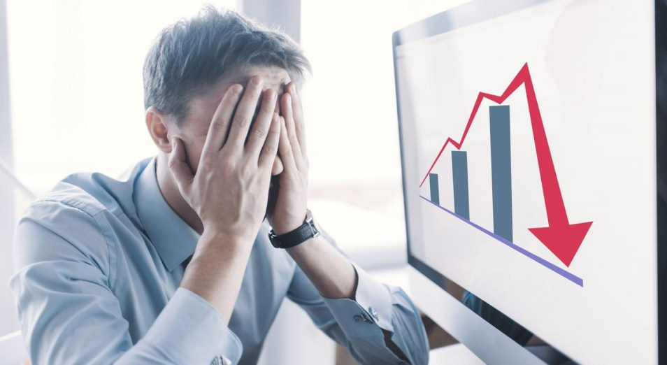 У кого в Казахстане сильнее всего падает зарплата
