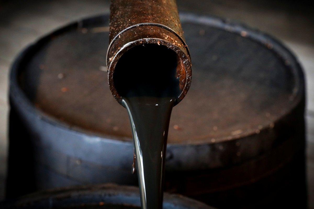 Правительство повысило прогнозную цену на нефть до 60 долларов в бюджете на 2018-2020 годы