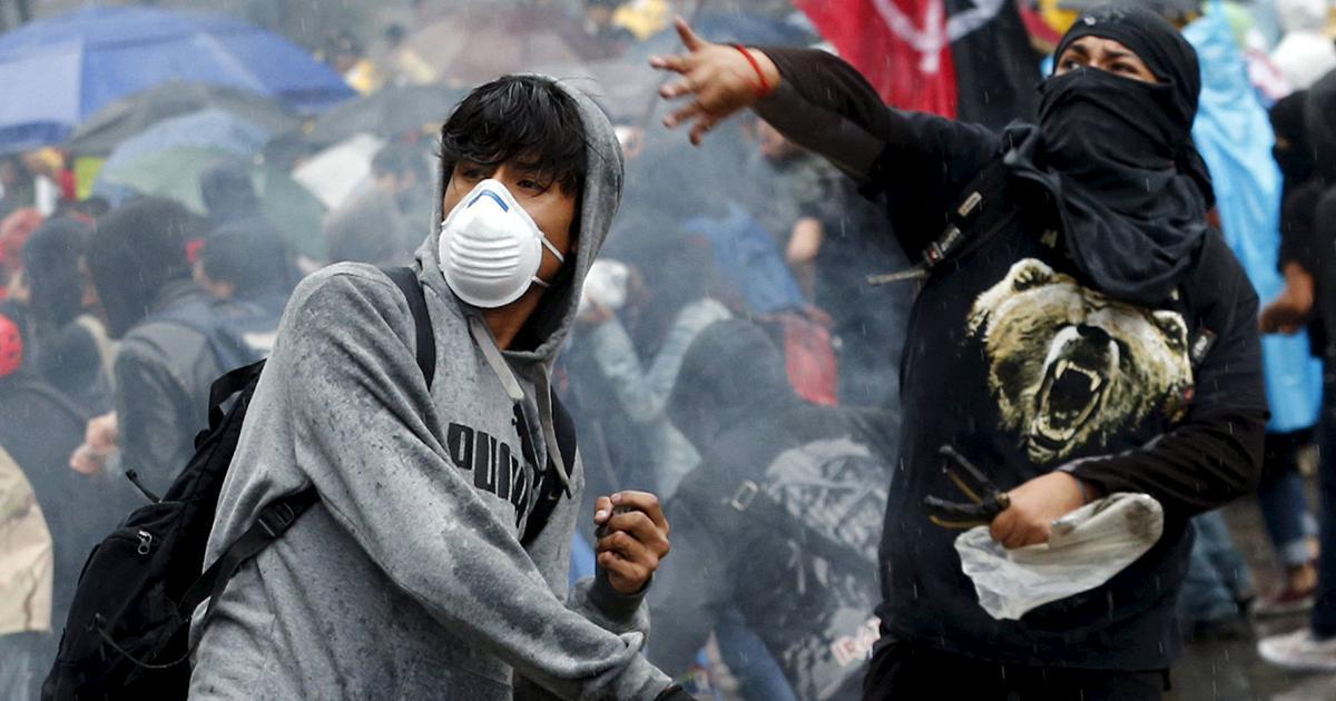 Более 30 человек пострадали в ходе беспорядков в центре Мехико