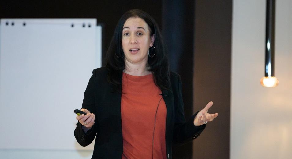 Леа Белски – главный директор ведущей образовательной онлайн-платформы Coursera – о том, как заработать на счастье