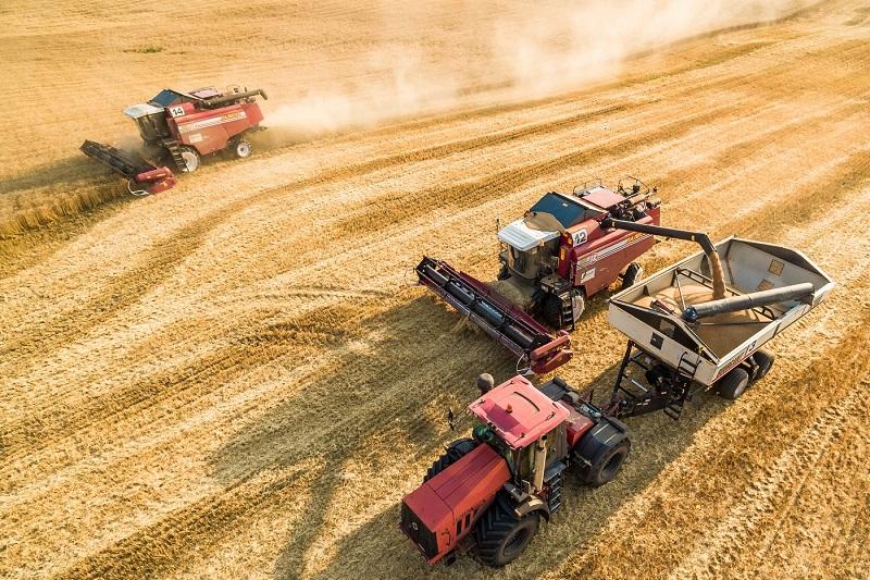 На уборку урожая выделено 395 000 тонн удешевленного ГСМ