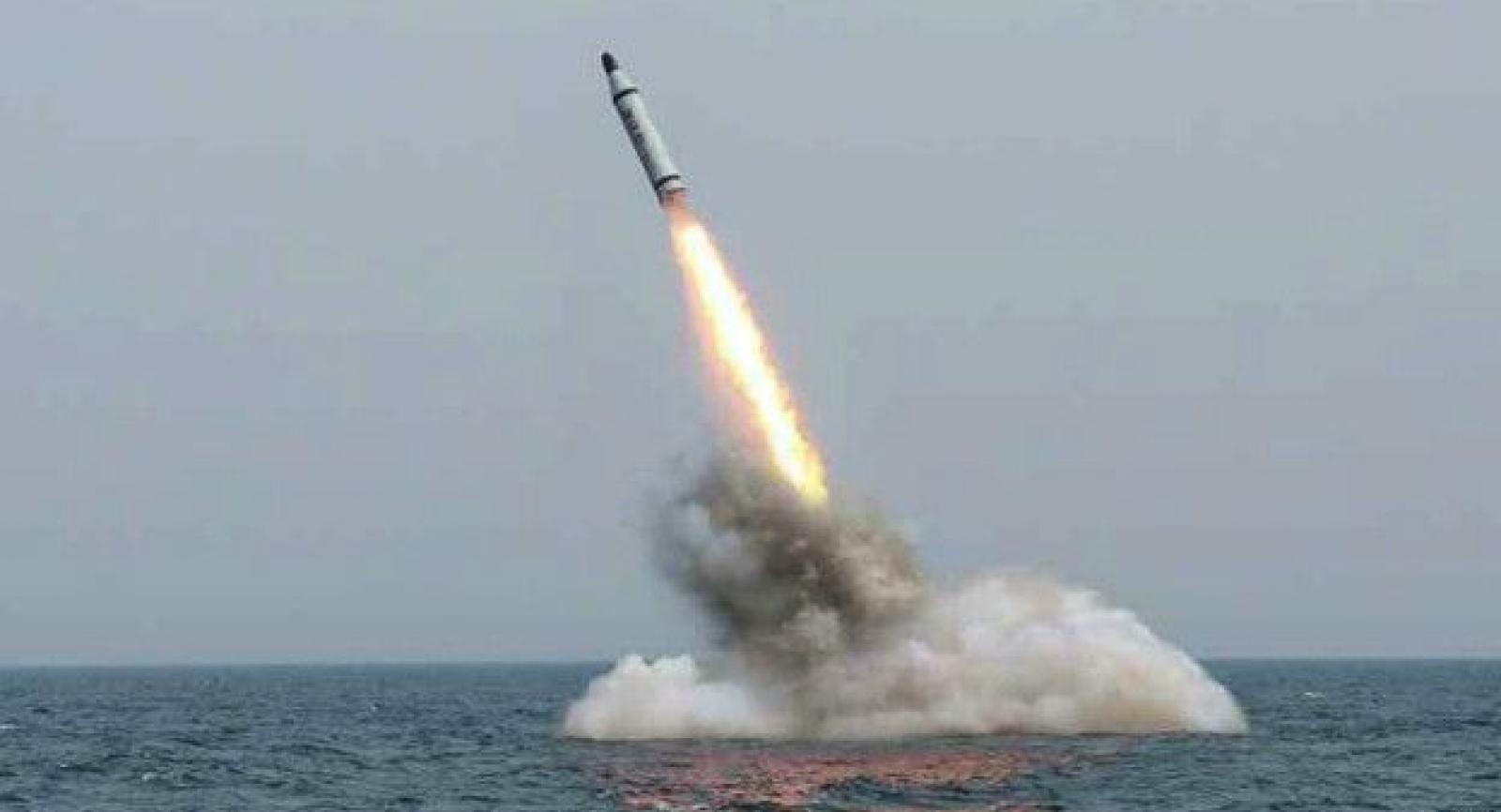 Северная Корея подтвердила, что провела запуск баллистической ракеты с подводной лодки