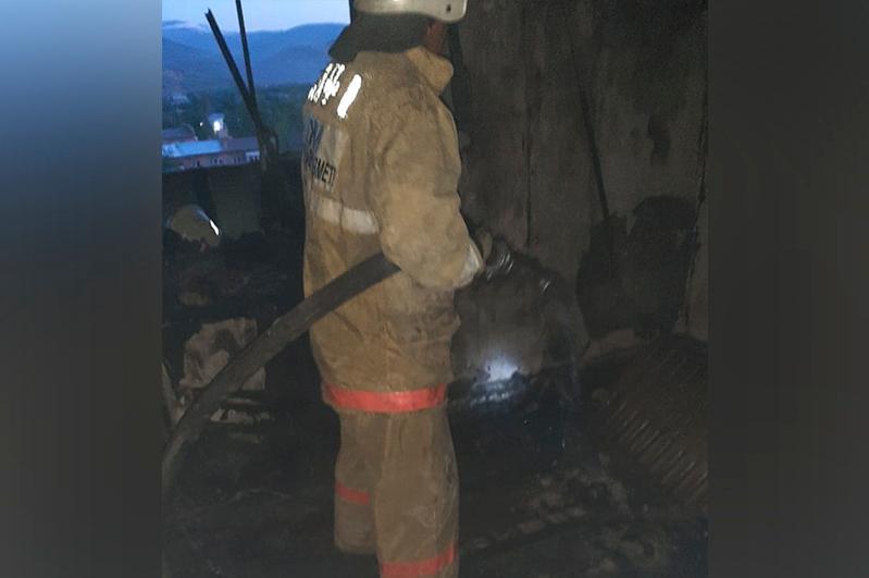 В Риддере эвакуировали 90 человек из-за пожара