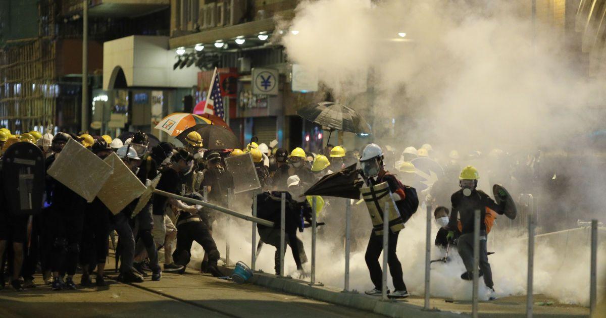 Беспорядки в Гонконге: демонстранты призывают к массовому снятию денег в банкоматах