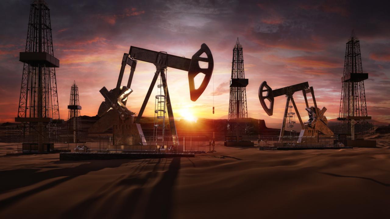 Нефть более уверенно дорожает, поднявшись до трехнедельного максимума