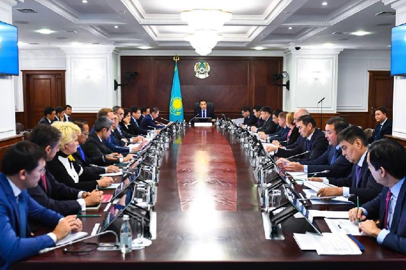 Сагинтаев провел совещание с топ-менеджментом БВУ