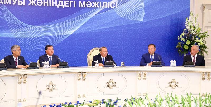 Назарбаев: Завтра ожидаем принятия исторического решения по Каспию