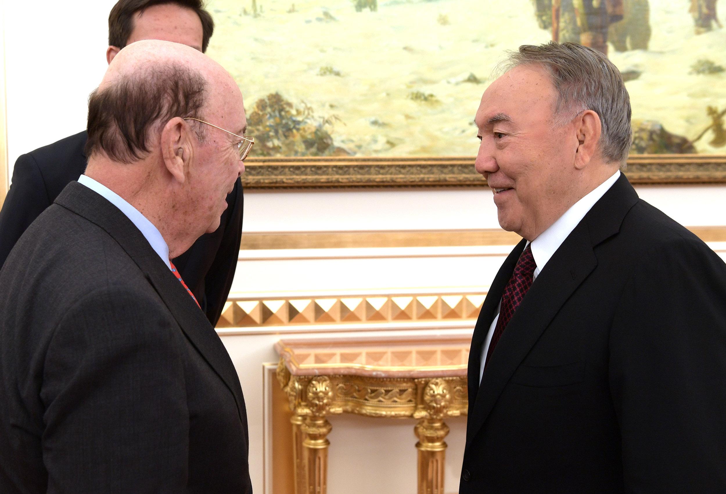 Назарбаев встретился с министром торговли США Уилбуром Россом