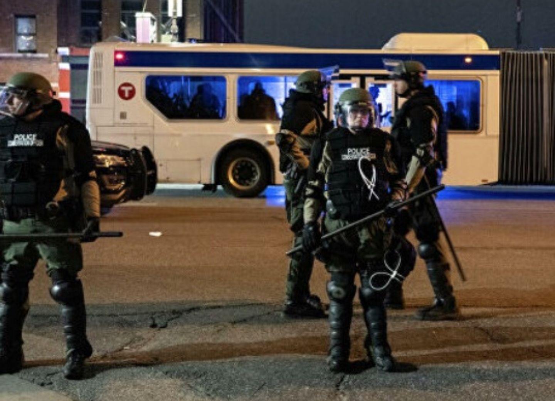 Стрельба в Миннеаполисе: ранены более 10 человек