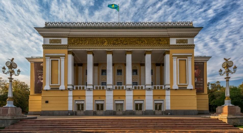 В ГАТОБ им. Абая проходит онлайн-конкурс «Абай әндері» для непрофессиональных исполнителей