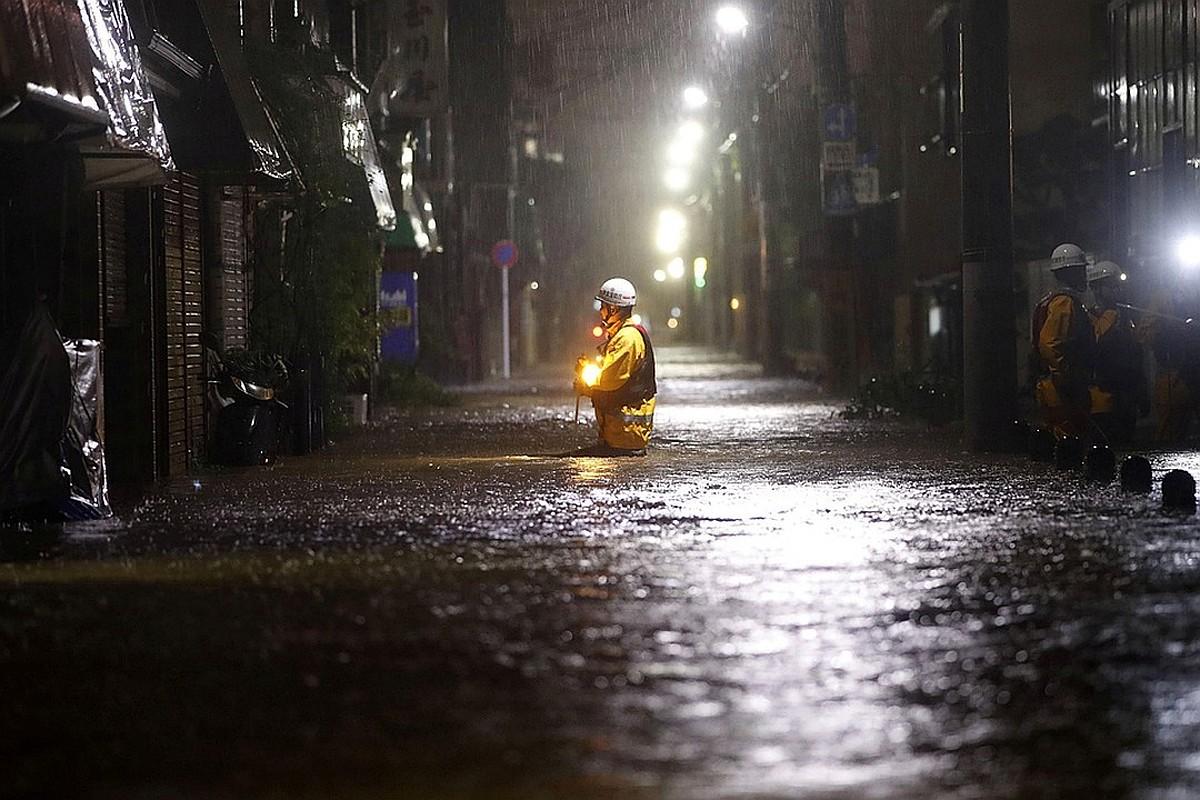 В Японии 10 человек погибли из-за проливных дождей