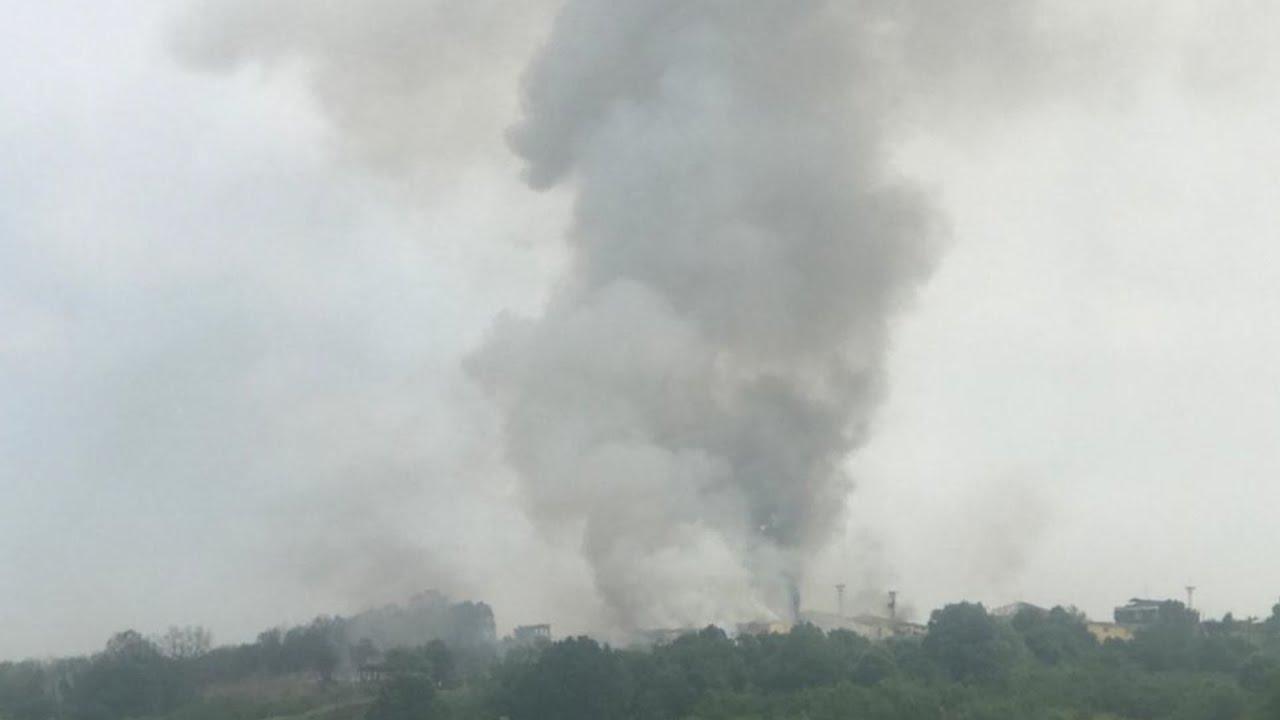 Минимум четыре человека погибли, сто ранены при взрыве на фабрике в Турции