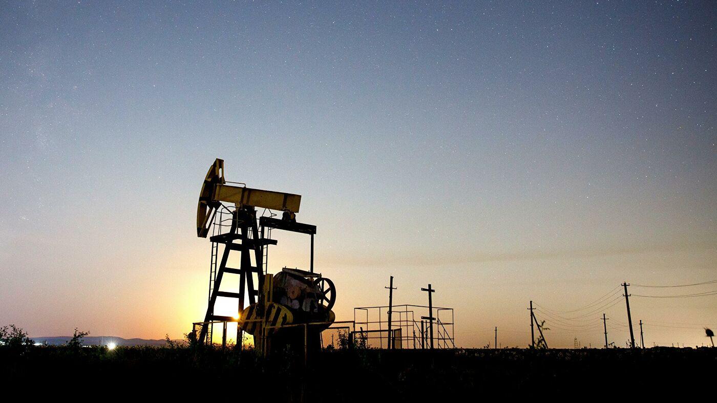 Нефтяные цены снижаются после роста накануне
