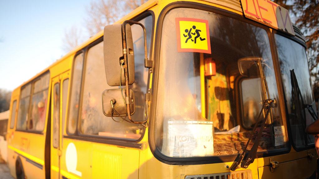 В Калужской области РФ перевернулся автобус с детьми, погибли семь человек
