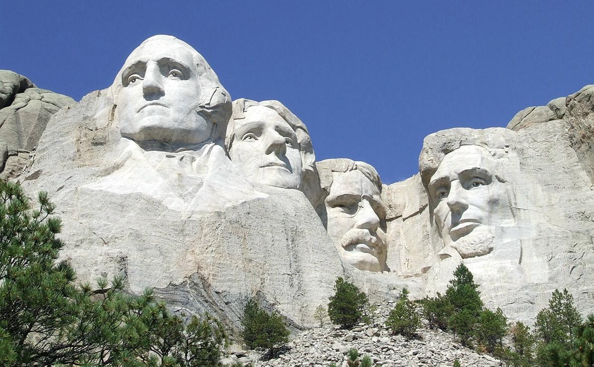Трамп опроверг сообщения о желании добавить свой портрет к барельефу на горе Рашмор