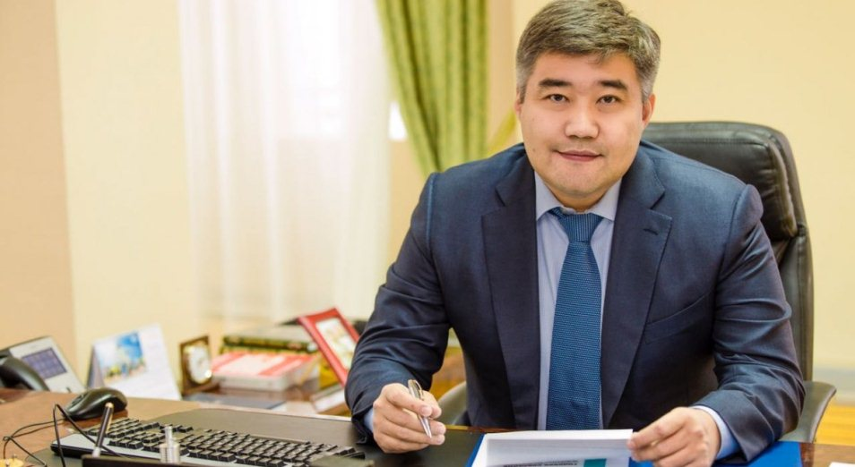 Аскар Мамин представил нового руководителя канцелярии премьер-министра РК